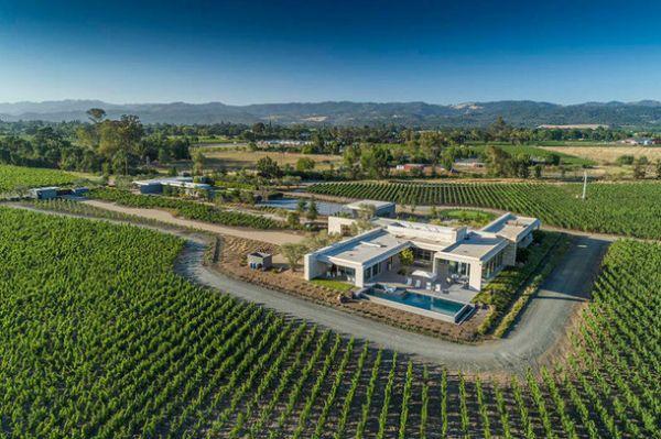 Подборка пяти домов с виноградниками, которые можно купить прямо сейчас