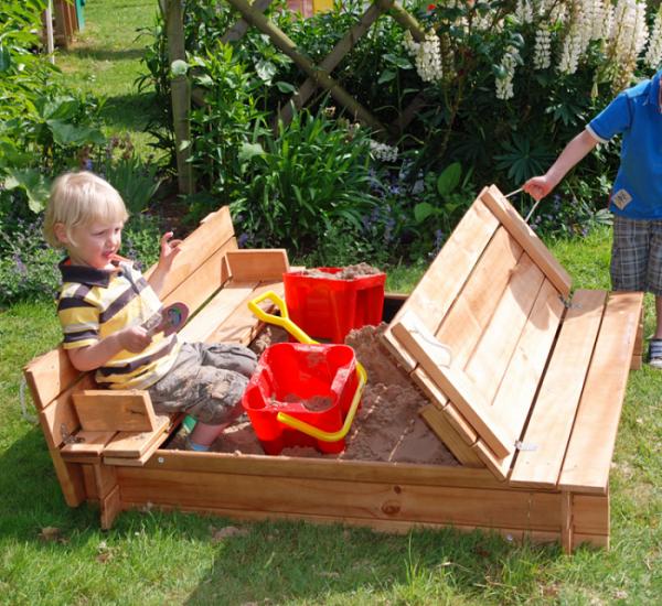 Украшаем сад из подручных материалов: 14 классных фото идей
