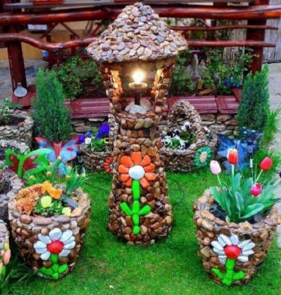 Как украсить камнями садовый участок